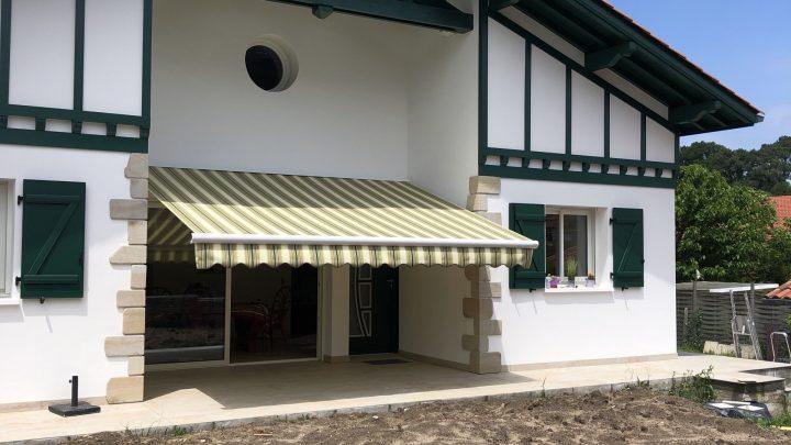Installation d'un store banne Marquises à St Jean de Luz par AED64