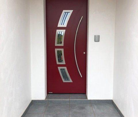 Porte en aluminium Hormann avec digicode Aiphone à Hasparren