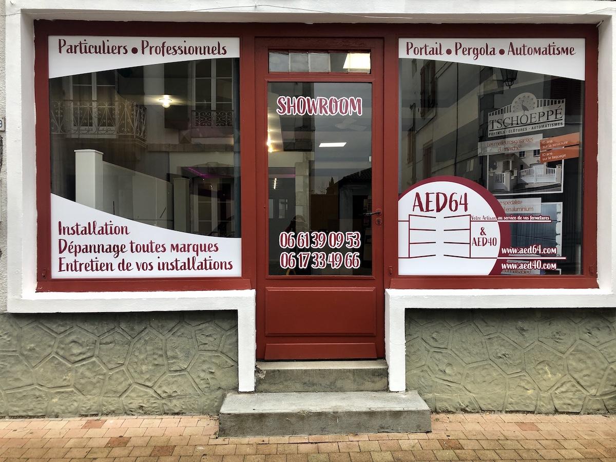 Vitrine du showroom de votre artisan AED64 Hasparren
