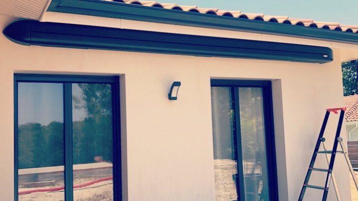 Store coffre ON'X Marquises installé par AED64 dans les Landes, fabriqué en France.